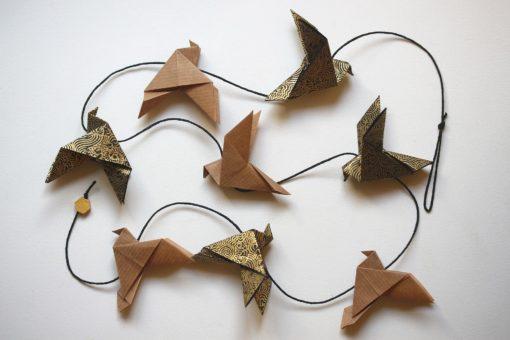 Guirlande oiseaux origami kraft et or