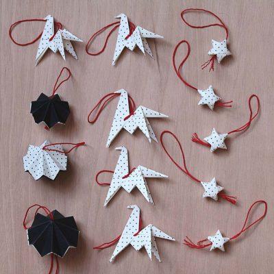 Box de 14 décorations de noël, origami noir à pois
